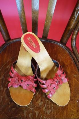 Moschino sandali donna tessuto in pelle rossa numero 40 con suola in legno con borchie